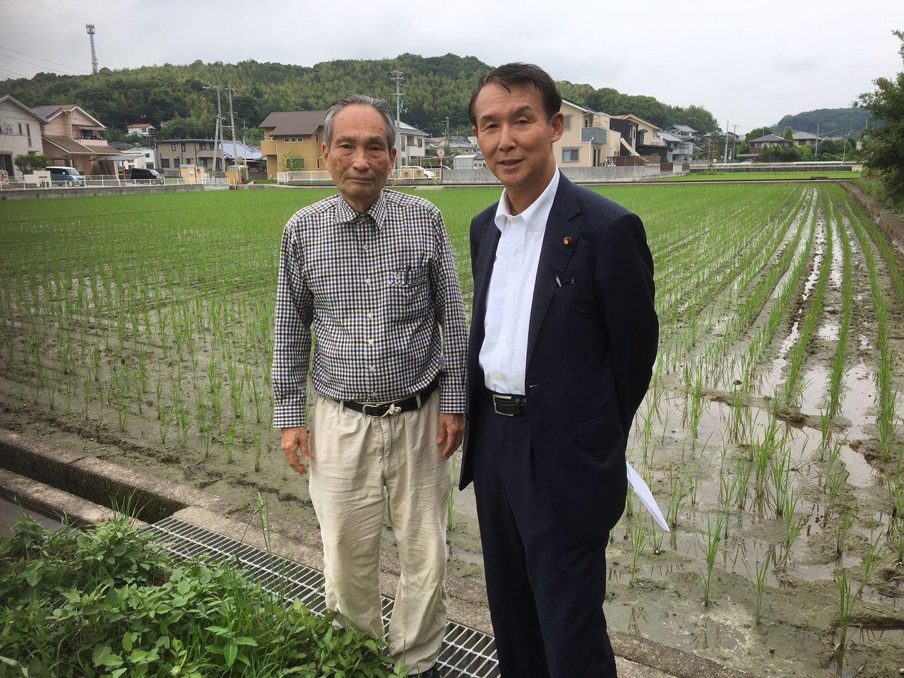 紀州大地の会の園井信雄さんと。